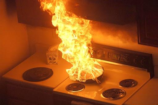 cocina en llamas